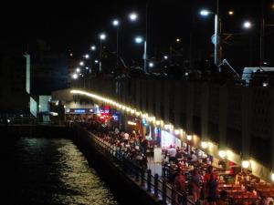夜のガラタ橋